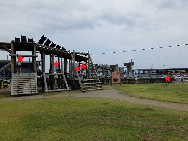 ひみの海探検館となりの公園